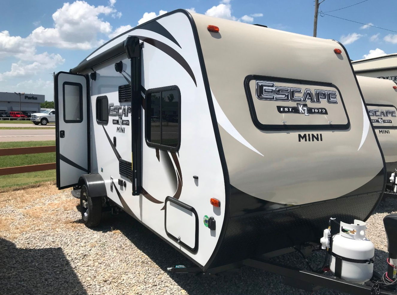 12 Best Small Travel Trailers With Bathrooms Mr Rv